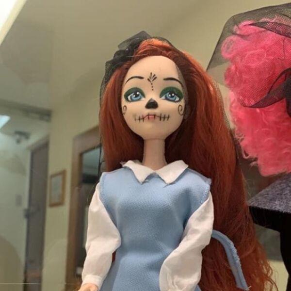 Recrean vestido de Beatriz Gutiérrez para una muñeca 10.jpg