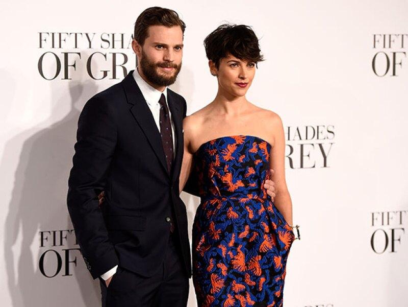 Mr. Grey es todo un padre de familia. Según E! News, el actor espera junto a su esposa Amelia Warner a quien será el hermanito o hermanita de la pequeña Dulcie.
