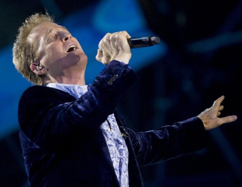 El cantante dijo que para ser un buen artista se necesita tener buena voz y también un equipo de gente que oriente sobre la carrera.