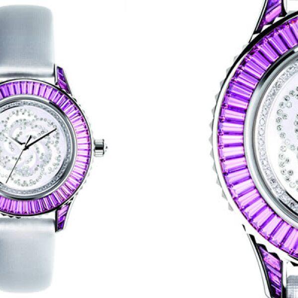 El nuevo modelo de la firma francesa se llama Passage° 1, el cual está disponible en oro blanco y tiene una corona de diamantes al centro.