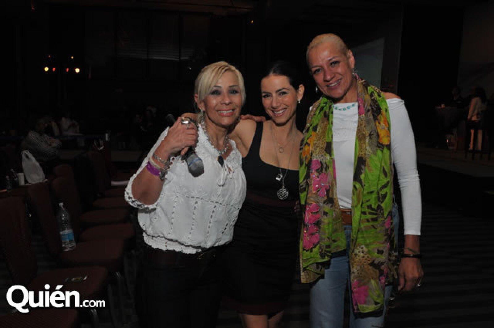 Eloisa García, Claudia Lizaldi y Silvia Ra