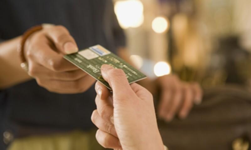 Las empresas de tarjetas ya han fijado como plazo octubre del 2015 para que los minoristas estadounidenses adopten la nueva tecnología. (Foto: Getty Images)