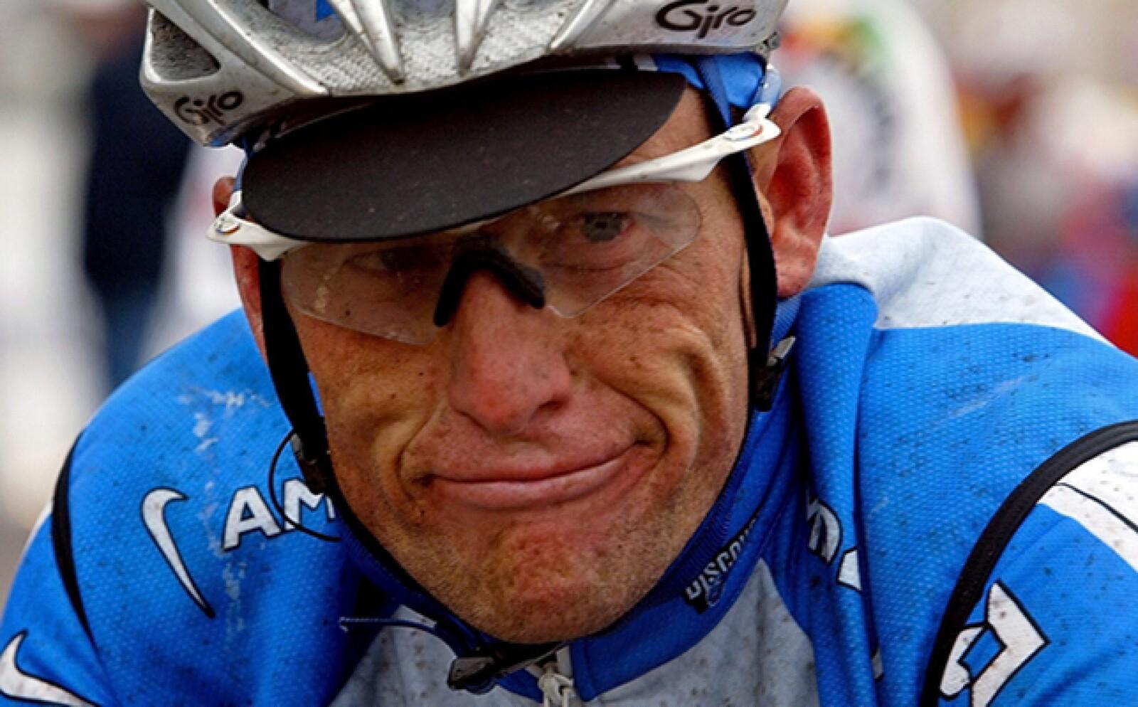 En 2012 el siete veces ganador del Tour de Francia, Lance Armstrong, perdió su contrato con Nike por un escándalo de dopaje, por lo que le quitaron sus títulos.