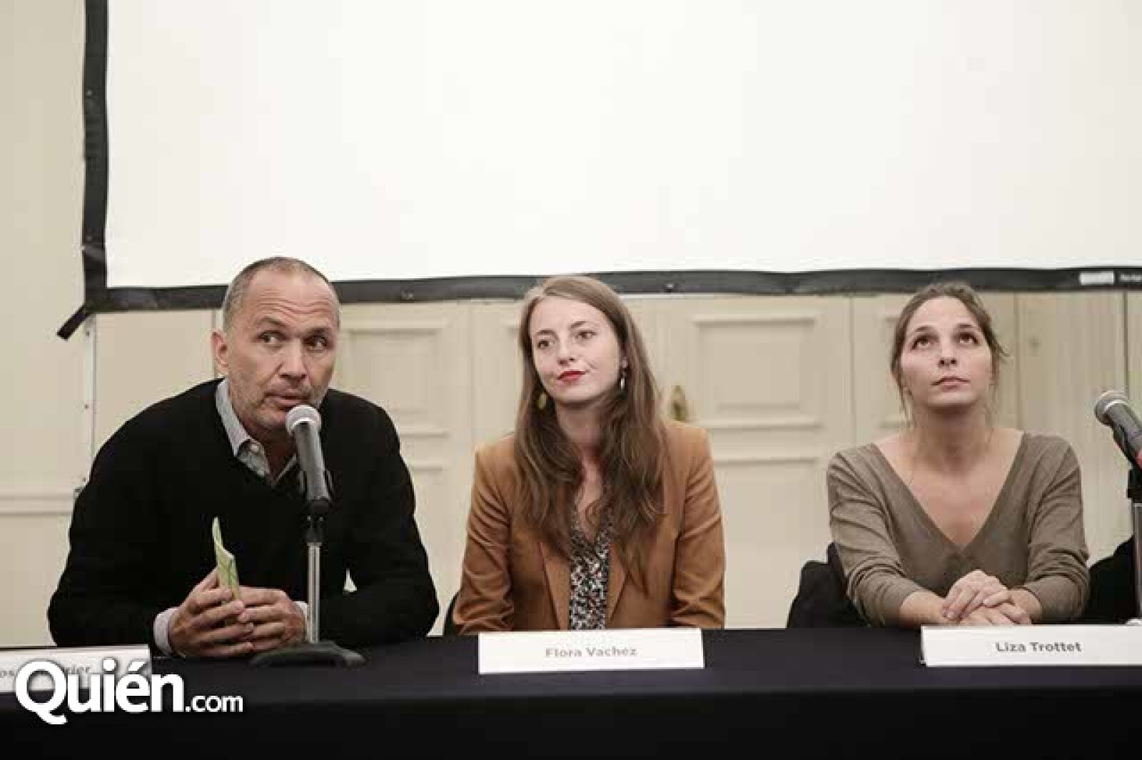 Carlos Couturier,Flora Vachez y Liza Trottet