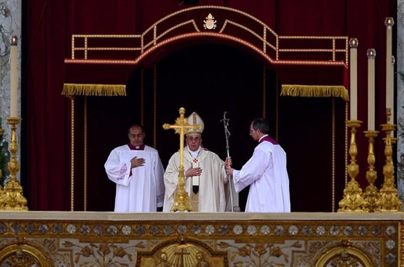 Tras canonizar a Juan XXIII y Juan Pablo II, el papa Francisco destacó el papel de sus predecesores por enfrentar las problemáticas y tragedias propias del siglo XX.