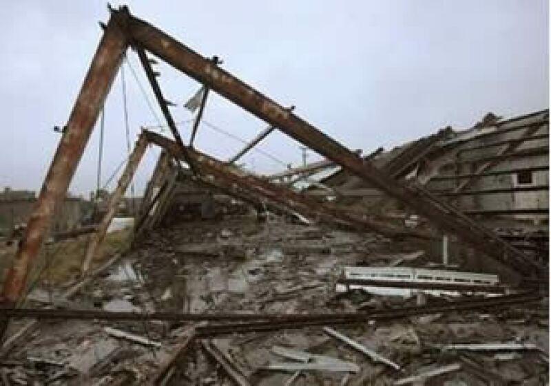 Las autoridades informaron la instalación de 77 refugios temporales en los que se atendió a 11,325 personas. (Foto: Reuters)