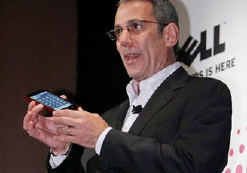 El vicepresidente de ventas y marketing de Dell, Michael Tatelman, presentó el dispositivo. (Foto: AP)