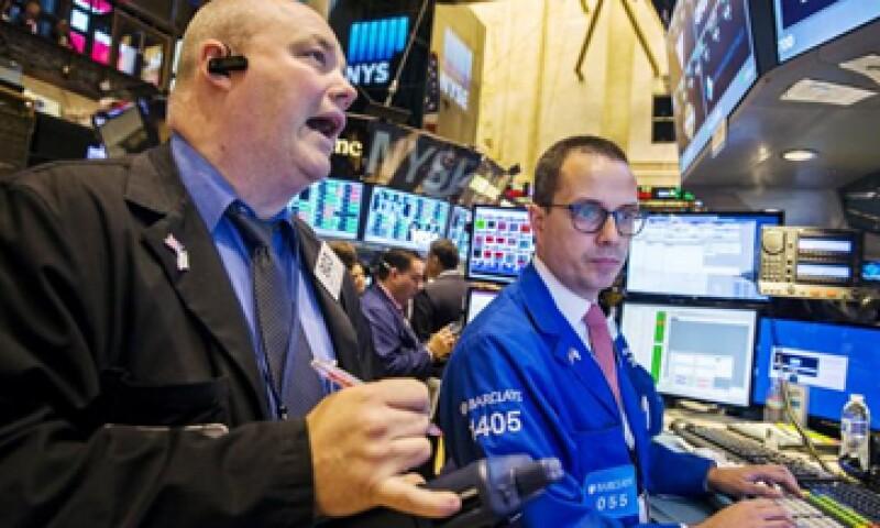 El Dow Jones industrial avanzó 1.22% en la Bolsa de Nueva York. (Foto: Reuters )