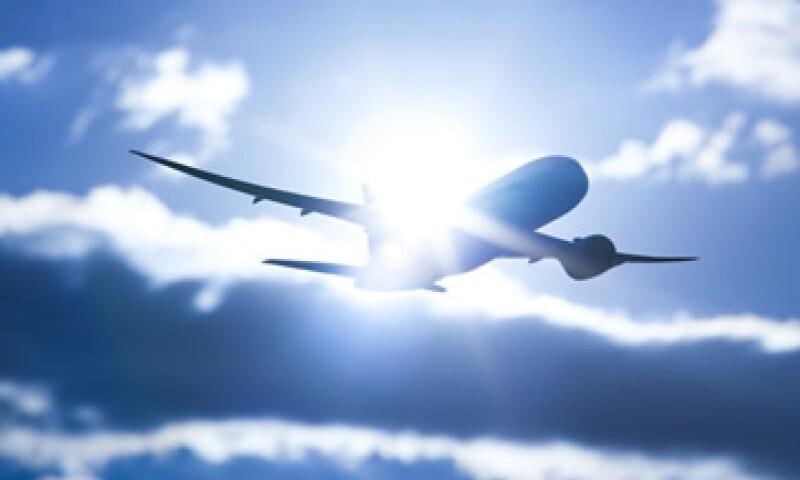 De ser necesario acudirá a expertos internacionales para asegurar la aeronavegabilidad sin riesgos de estos equipos, dice la SCT. (Foto: Getty Images)