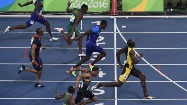 El 'rayo' Bolt ilumina los olímpicos