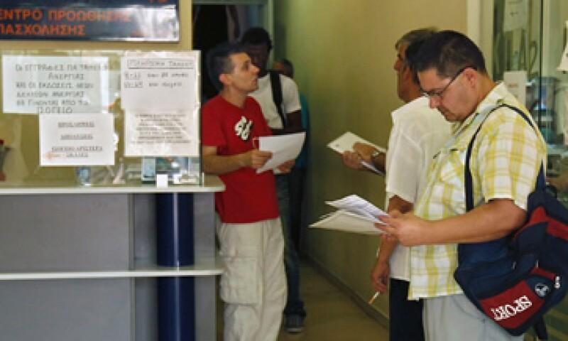 Casi 55% de quienes tienen entre 15 y 24 años no tienen trabajo en Grecia. (Foto: Reuters)