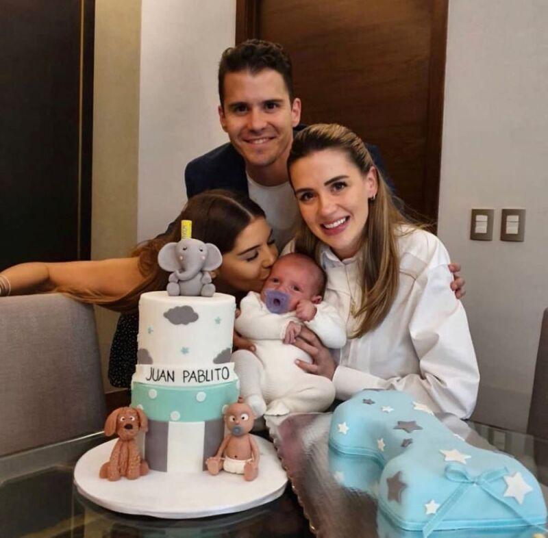 Primer mes del hijo de Eruviel Ávila y María Irene Dipp 2.jpg