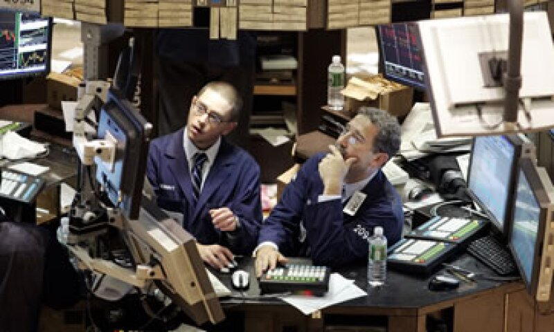 La Fed actualmente compra bonos por 85,000 millones de dólares mensuales para alentar la recuperación económica. (Foto: Getty Images)