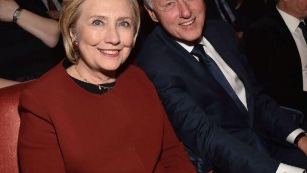 Los Clinton abuelos por tercera vez 2.jpg