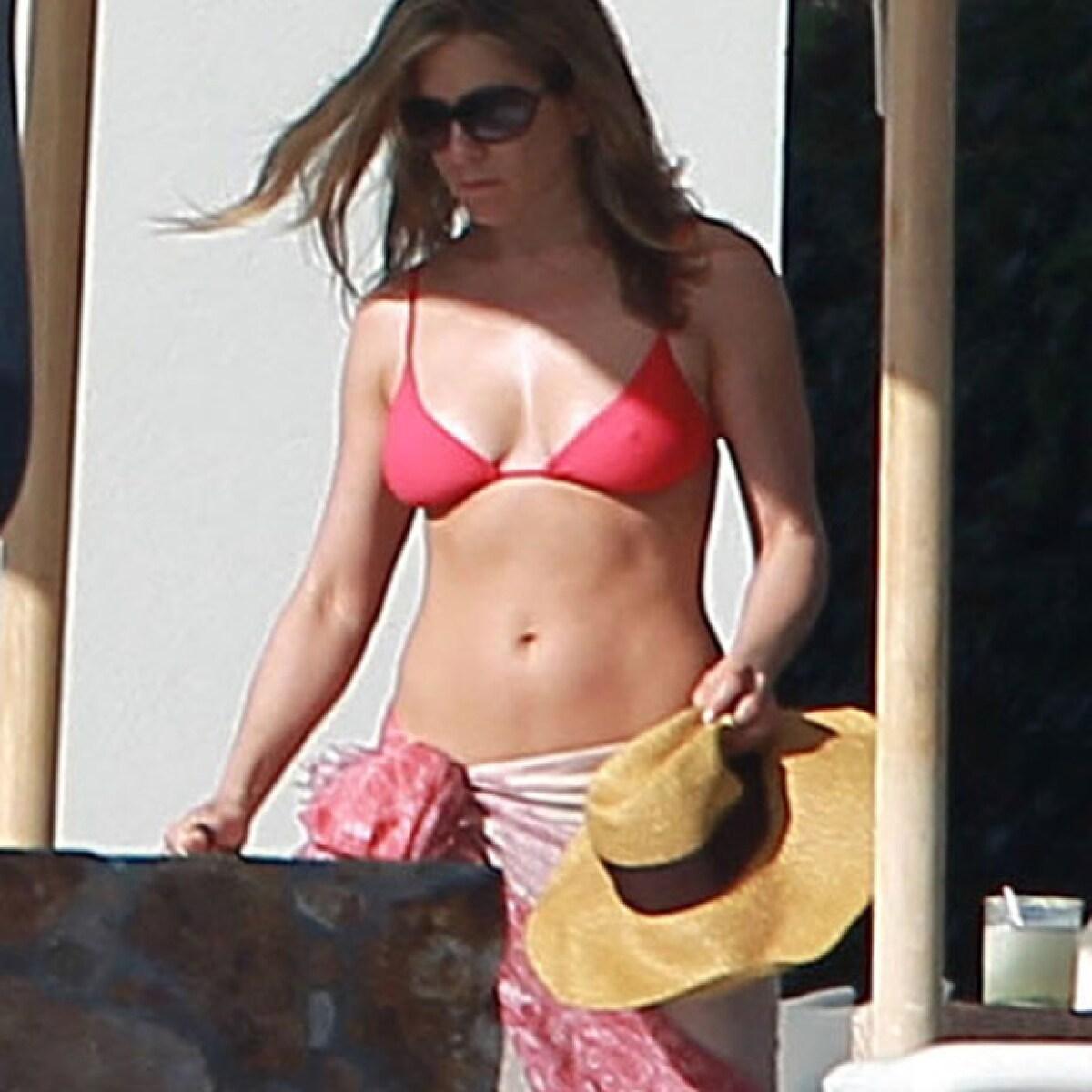 A sus 40 lucen espectaculares en bikini ¿quiénes son?