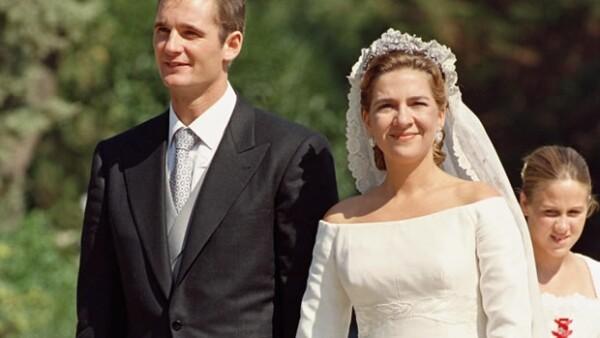 El esposo de la Infanta Cristina pasó de ser el yerno ideal del rey Juan Carlos de España a una persona que ha metido en severos problemas a la monarquía española. Aquí su historia.
