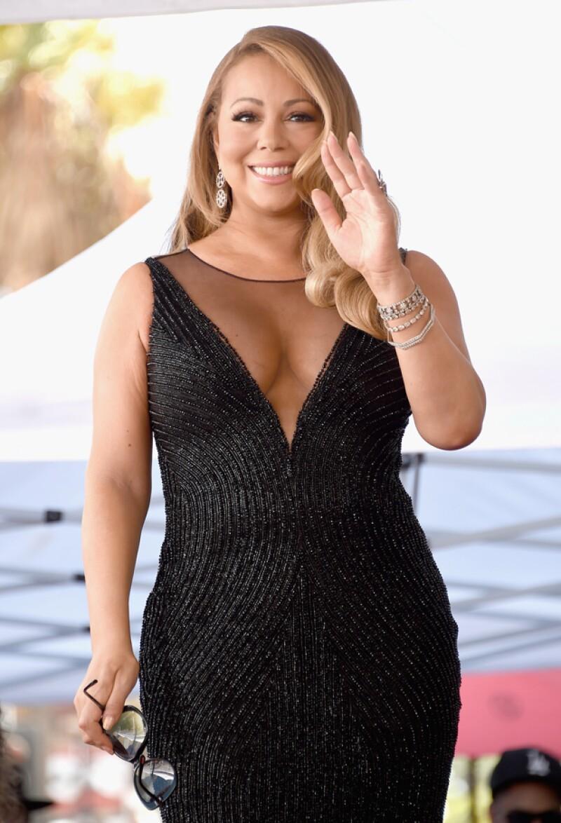 A pesar de los flops, Mariah acaba de recibir una estrella en el Paseo de la Fama de Hollywood.