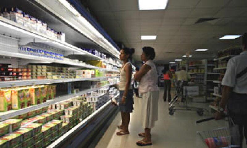 Los consumidores mexicanos también ven menores posibilidades de adquirir bienes duraderos como televisores y muebles. (Foto: Getty Images)