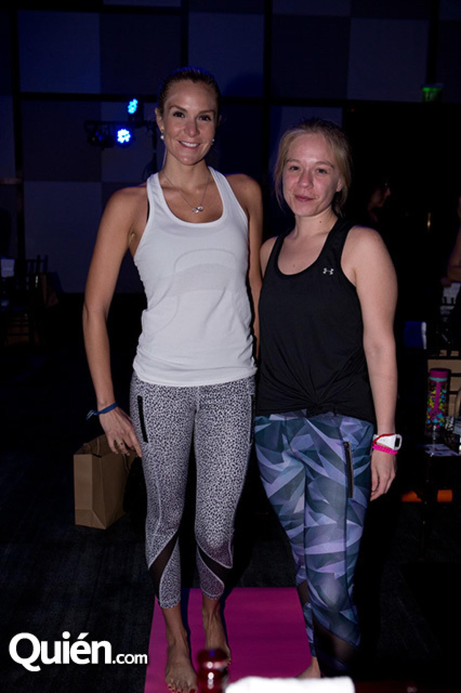 Vanessa Álvarez y Angie Mora