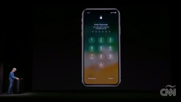 En su presentación, el iPhone X tuvo una falla que se hizo viral