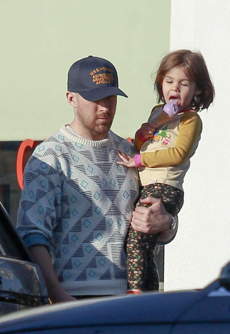Ryan Gosling y su hija mayor