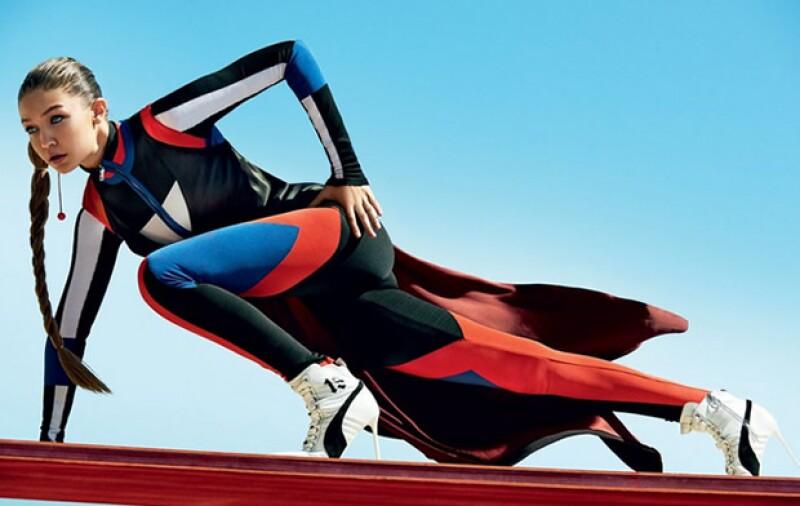 Gigi luce especialmente chic con un look athleisure en la nueva edición de la revista.