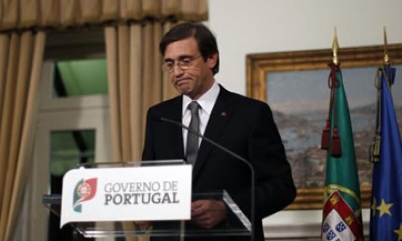 El primer ministro de Portugal, Pedro Passos Coelho, anunció que planean recortar más los salarios y elevar los impuestos. (Foto: Reuters)
