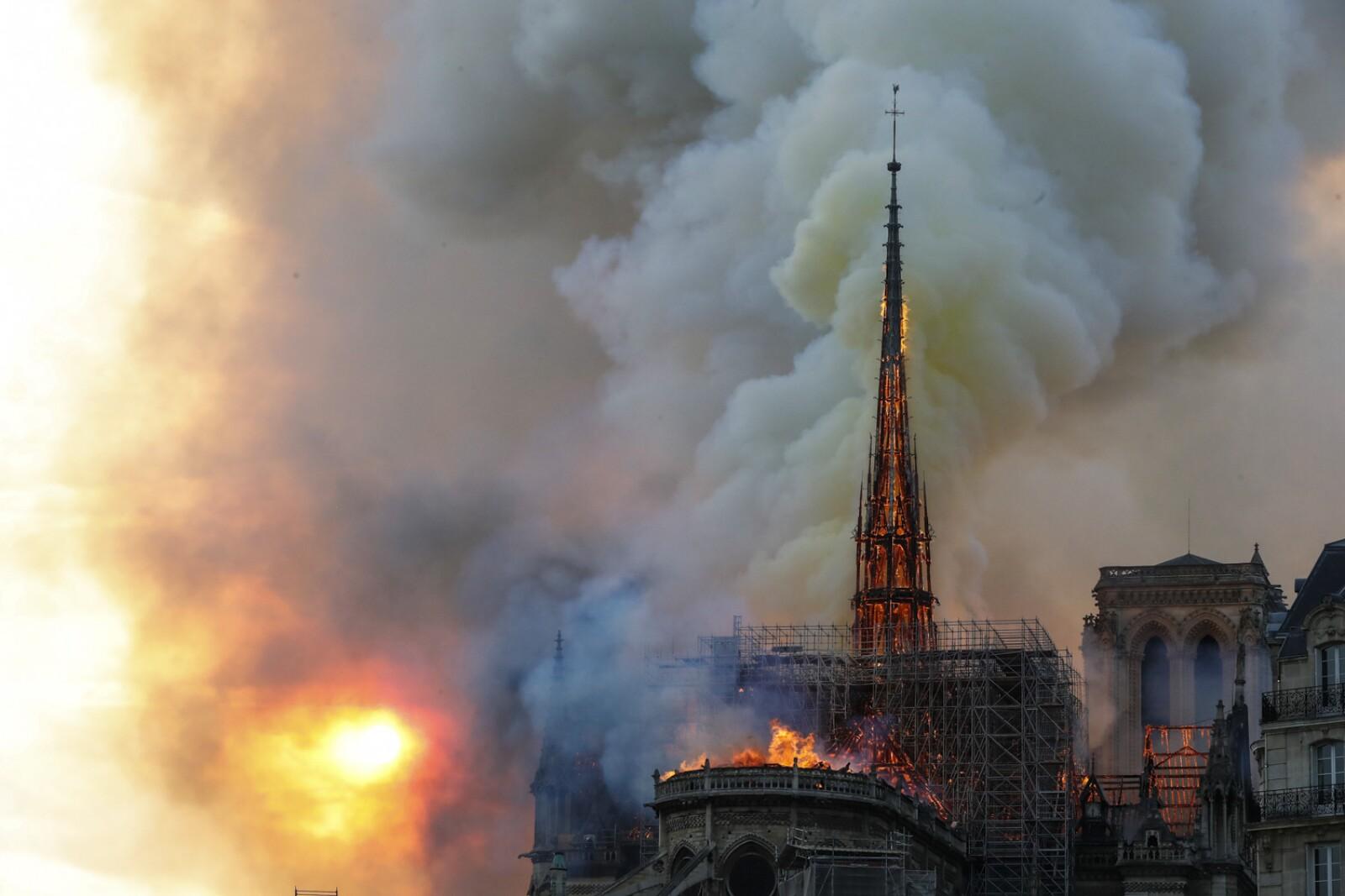 Incendio Notre Dame-5