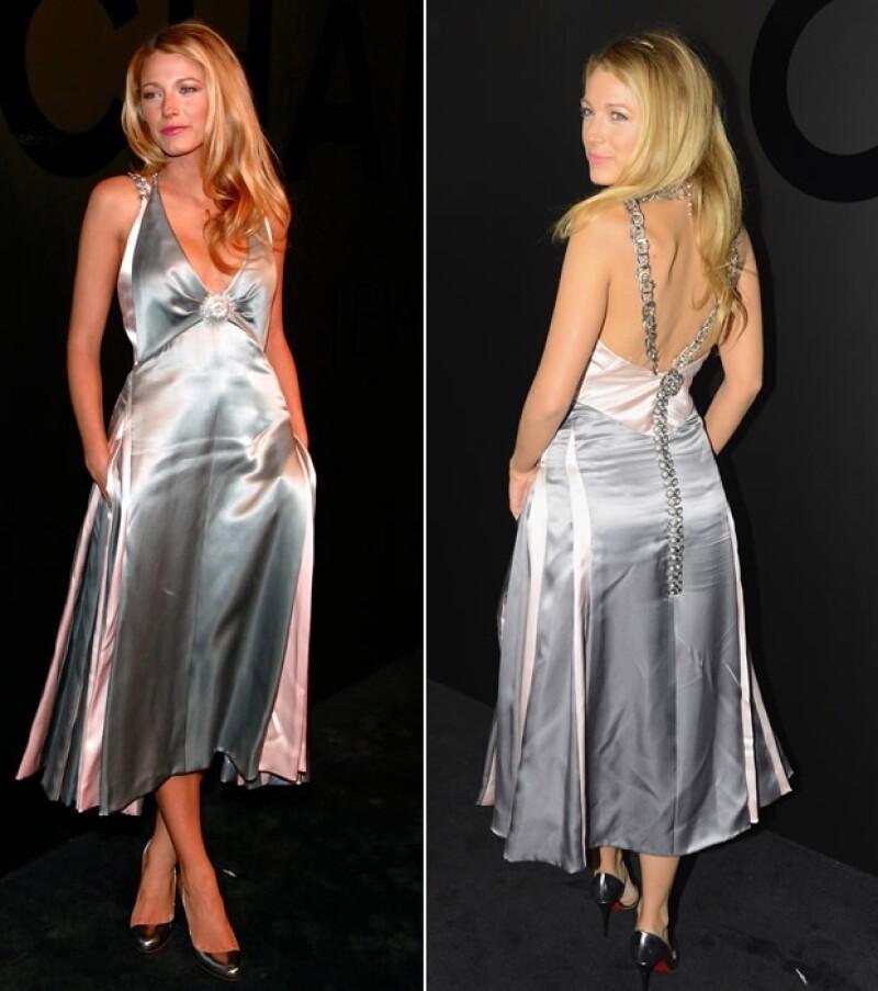 Blake Lively y Ryan Reynolds se casaron hace un mes y fue hasta ayer en Nueva York cuando la actriz de `Gossip Girl´ se dejó ver en una alfombra roja.