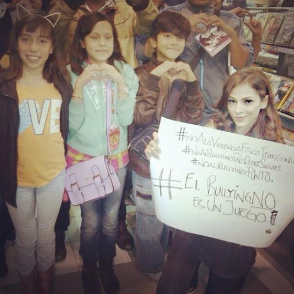 Paty Cantú se reunió con sus fans para pedir un alto al bullying.