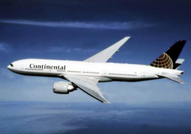 Los pasajeros con vuelos de más de seis horas y de primera clase seguirán recibiendo comida gratuita. (Foto: Cortesía Continental)