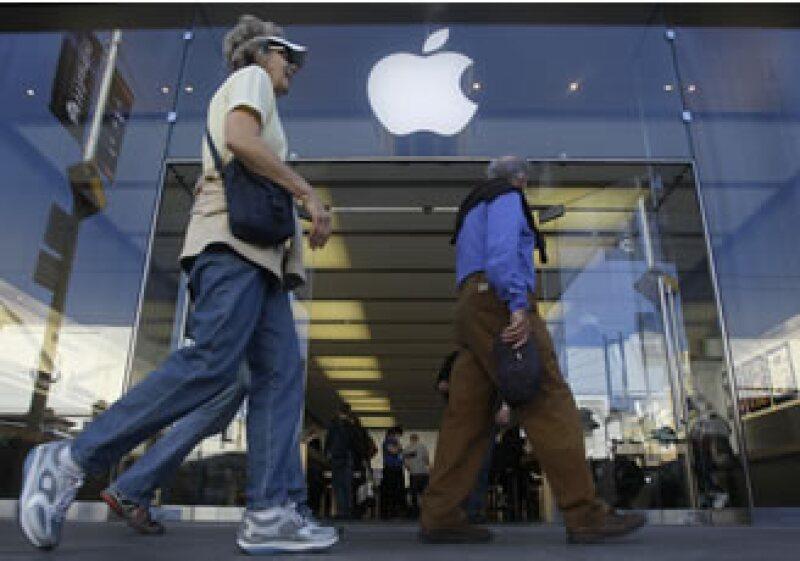Apple tiene más de 300 tiendas físicas en Estados Unidos. (Foto: AP)