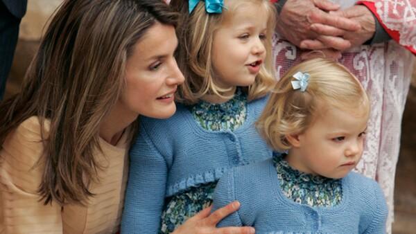 De España, Letizia Ortiz con Leonor y Sofía.
