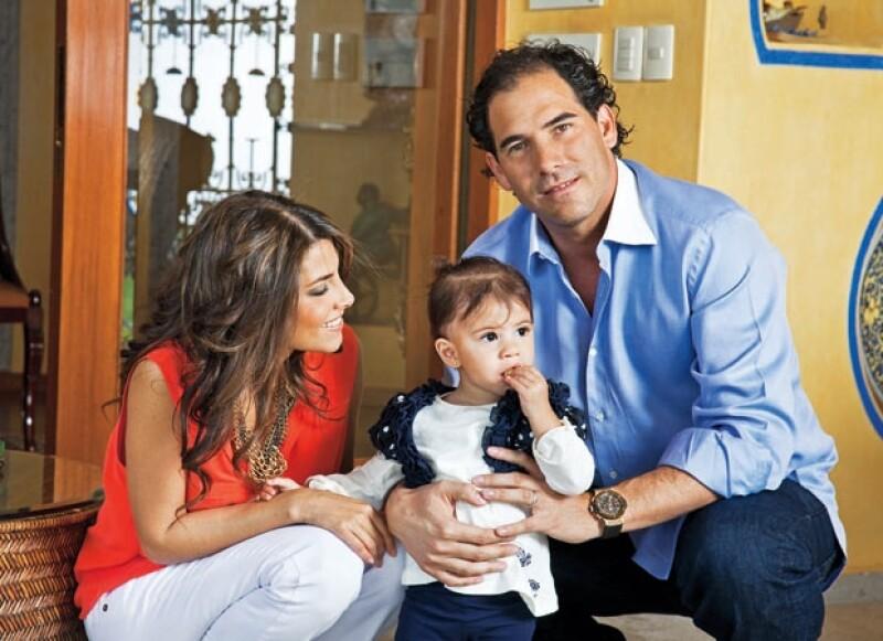 EN FAMILIA. Manlio espera que su hija Sylvana y su yerno Pablo le den más nietos. De acuerdo con el diputado por el PVEM, Manlio llama reiteradamente para preguntar por su Vanyta.