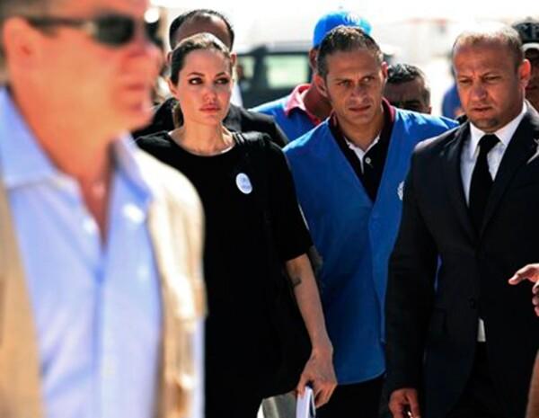 La estrella visitó a los refugiados sirios en Jordania.