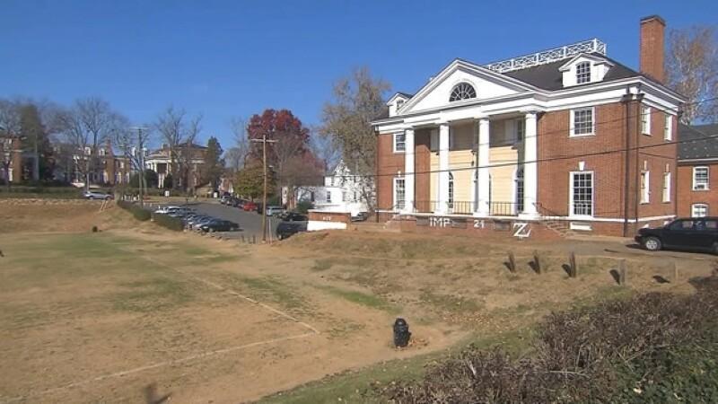 Los integrantes de fraternidades deberán seguir nuevas reglas si quieren organizar fiestas en la Universidad de Virginia