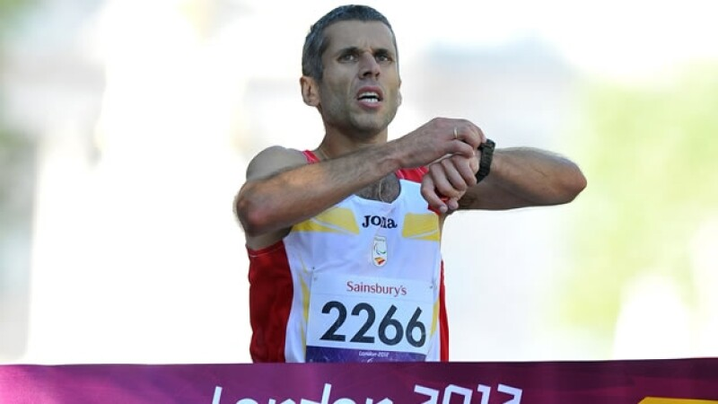 Alberto Suarez gana oro en maraton paralimpico