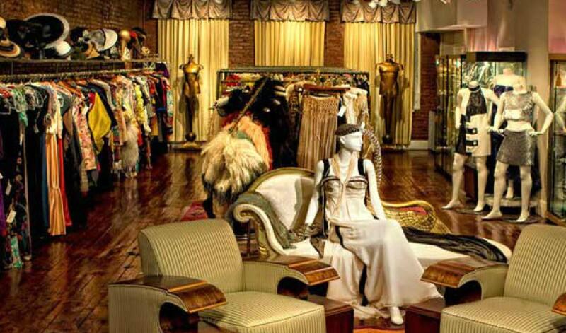 ¿Dónde puedes comprar prendas vintage, que a veces son hasta tesorosn en la Gran Manzana? Nuestra fashion insider, Cassandra de la Vega, te presenta 10 lugares a los que tienes que ir.