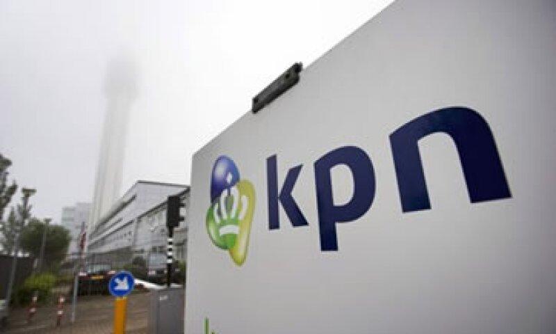 AMóvil lanzó una oferta de 3,250 mde para aumentar a 27.7% su participación en KPN. (Foto: Reuters)