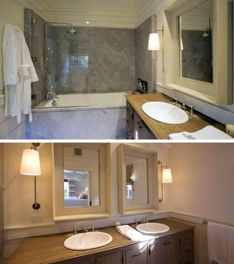 Este es uno de los dos baños con los que cuenta la residencia.