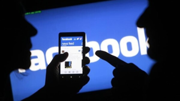 Las acciones de Facebook, uno de los jinetes de la tecnología, han registrado máximos en las últimas semanas. (Foto: Reuters )