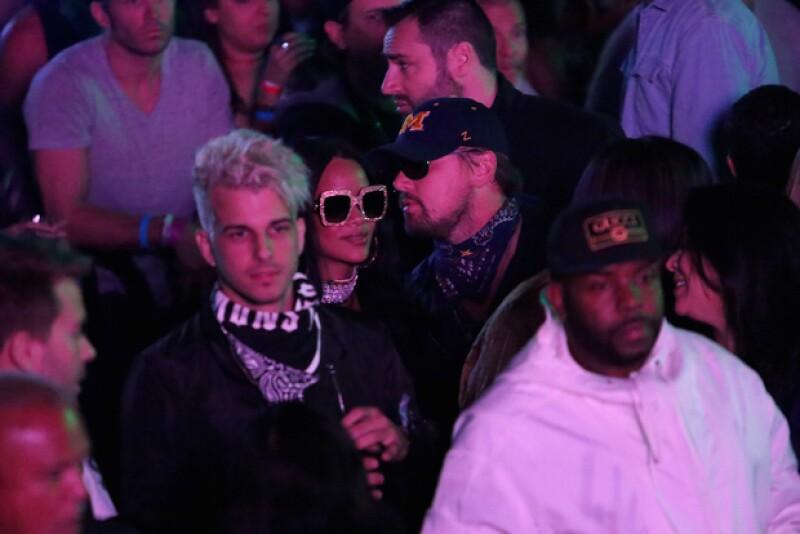 El actor y la cantante no pasaron desapercibidos este fin de semana que asistieron al festival de música en California. Sin duda, las fotos dejan ver que tienen una relación MUY cercana.