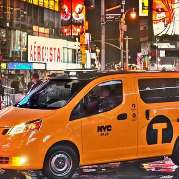 El taxi Nissan NV200 se producirá en la planta de CIVAC en Cuernavaca,  México. El precio sugerido por el fabricante, con todas las características estándar planeadas, será de 29,000 dólares.