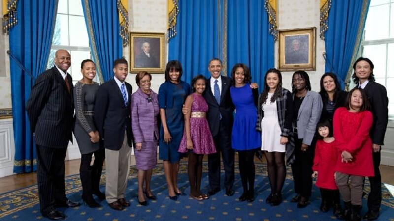 Una foto en la Casa Blanca de Barack Obama con la familia de su esposa Michelle; Craig Robinson es el primero de izquierda a derecha