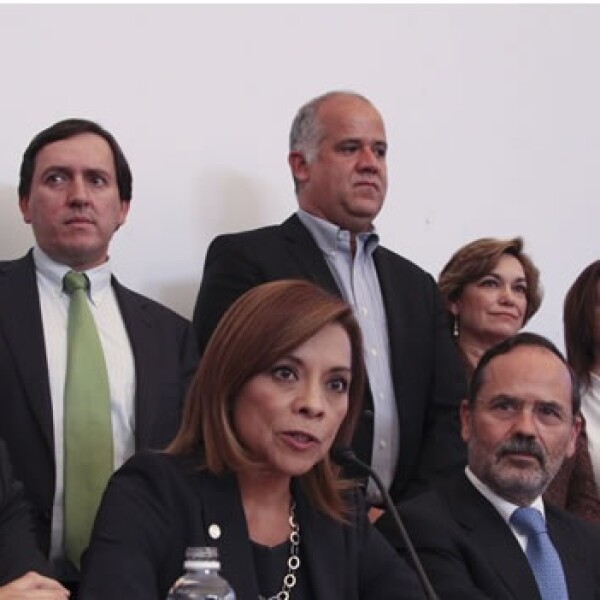Vázquez Mota presenta cambios en su equipo de campaña
