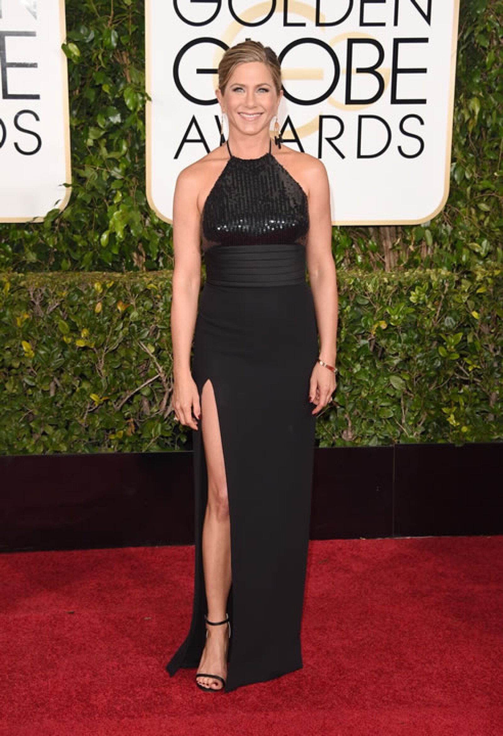 Jennifer Aniston en Saint Laurent