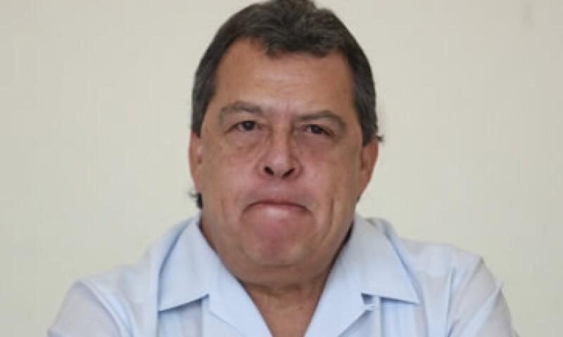 Ángel Aguirre dijo que su decisión se da para favorecer un clima político que favorezca la solución del caso. (Foto: Cuartoscuro )