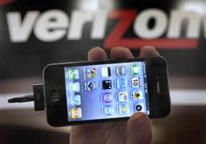 Verizon dijo que vendió más de dos millones de iPhones durante la mitad del trimestre. (Foto: AP)