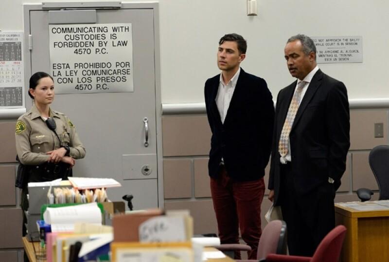 Vitalii Sediuk tuvo problemas legales por intentar golpear a Brad Pitt en mayo de este año.