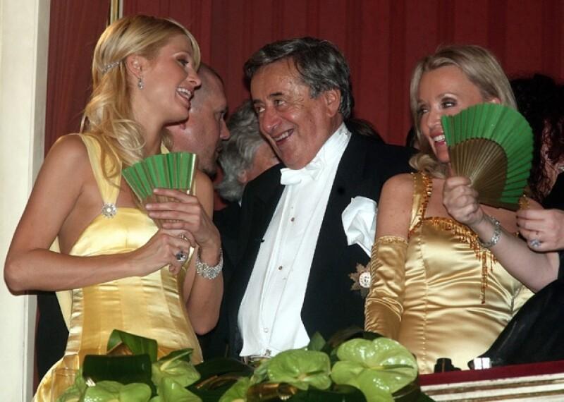 En 2007, Paris Hilton fue la elegida para acompañar a Richard Lugner a la ópera.